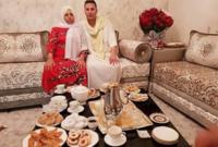 لقطات له مع والدته فى العيد