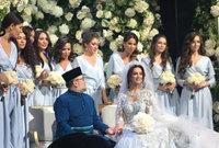 ظهرت صور تشير إلى أنه تزوج من ملكة جمال روسية سابقة بينما كان في إجازة طبية
