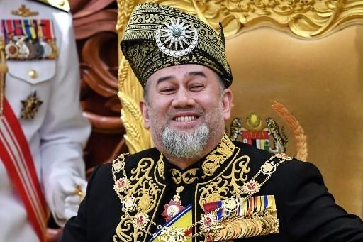 ولد السلطان محمد الخامس في 6 أكتوبر عام 1969، ويبلغ 49 عام