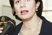 وبين عامي 1999 و2000، عملت مساعدة مدير العلاقات العامة بقسم الخدمات المصرفية للشركات في بنك «بيبلوس»